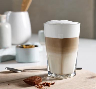 Latte Machiato (Cafe và sữa đánh nóng)