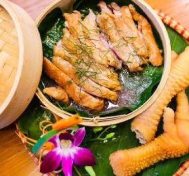 Gà Đông Tảo Hấp lá chanh